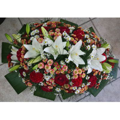 שלל פרחים ושושן צחור