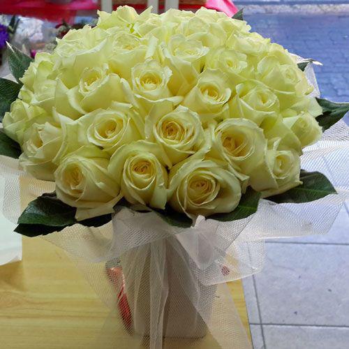 צרור ורדים צהובים