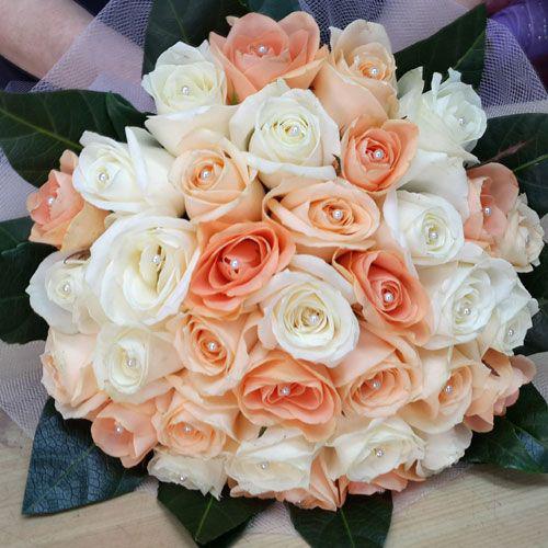 צרור ורדים לבן אפרסק